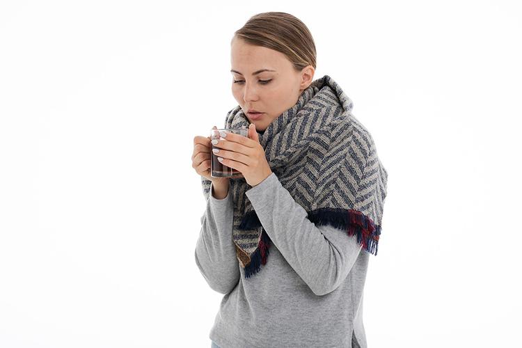 Как избавиться от насморка и заложенности носа - что помогает от насморка и заложенности носа в домашних условиях