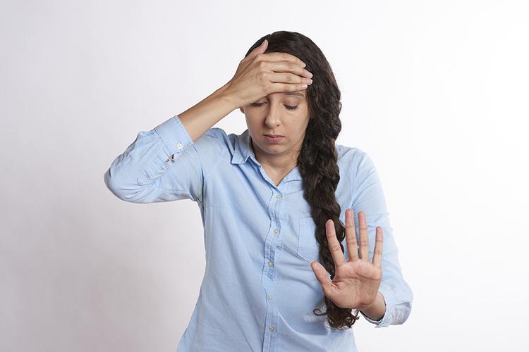 Может ли болеть голова от соплей